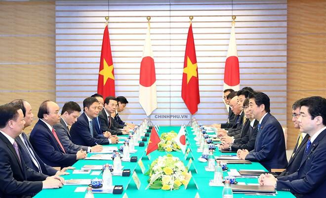 เวียดนามและญี่ปุ่นผลักดันความสัมพันธ์หุ้นส่วนยุทธศาสตร์ที่กว้างลึก - ảnh 1
