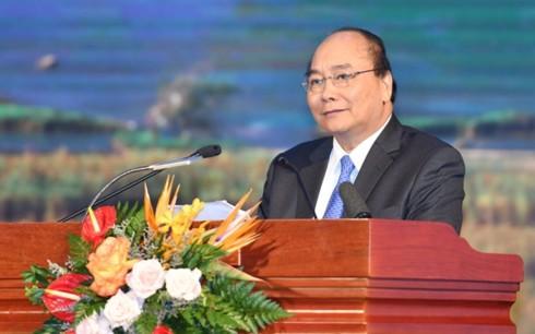 นายกรัฐมนตรี เหงียนซวนฟุก เข้าร่วมการประชุมส่งเสริมการลงทุนกาวบั่ง - ảnh 1