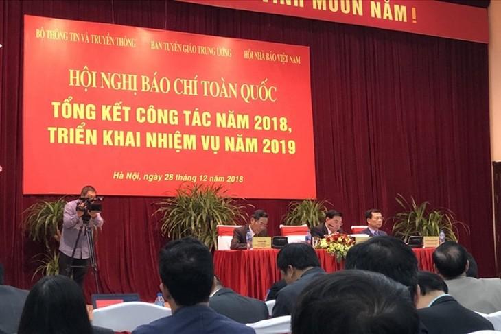 การประชุมทั่วประเทศเกี่ยวกับการปฏิบัติหน้าที่ในปี 2019 ของสื่อมวลชน - ảnh 1