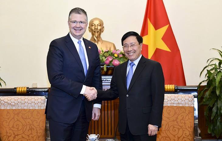 สหรัฐให้ความสำคัญและมีความประสงค์พัฒนาความสัมพันธ์กับเวียดนาม - ảnh 1