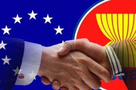 รัฐมนตรีว่าการกระทรวงการต่างประเทศอียู-อาเซียนหารือเกี่ยวกับการผลักดันความร่วมมือ - ảnh 1
