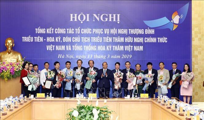 นายกรัฐมนตรีเป็นประธานการประชุมสรุปงานด้านการจัดการประชุมสุดยอดสหรัฐ-สาธารณรัฐประชาธิปไตยประชาชนเกาหลี - ảnh 1