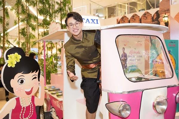 พบปะกับพิธีกร กวางบ๋าว  ทูตการท่องเที่ยวของไทยปี 2019 ณ  เวียดนาม - ảnh 2