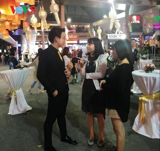 พบปะกับพิธีกร กวางบ๋าว  ทูตการท่องเที่ยวของไทยปี 2019 ณ  เวียดนาม - ảnh 1