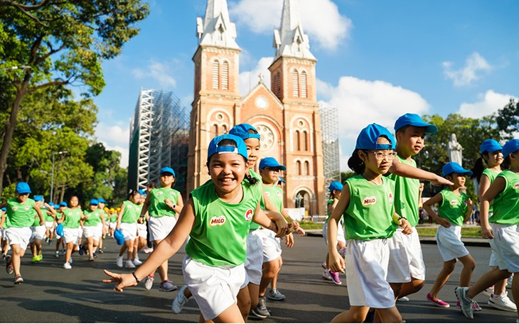 ทั่วประเทศขานรับกิจกรรมวิ่งโอลิมปิกเดย์เพื่อสุขภาพของปวงชน - ảnh 1