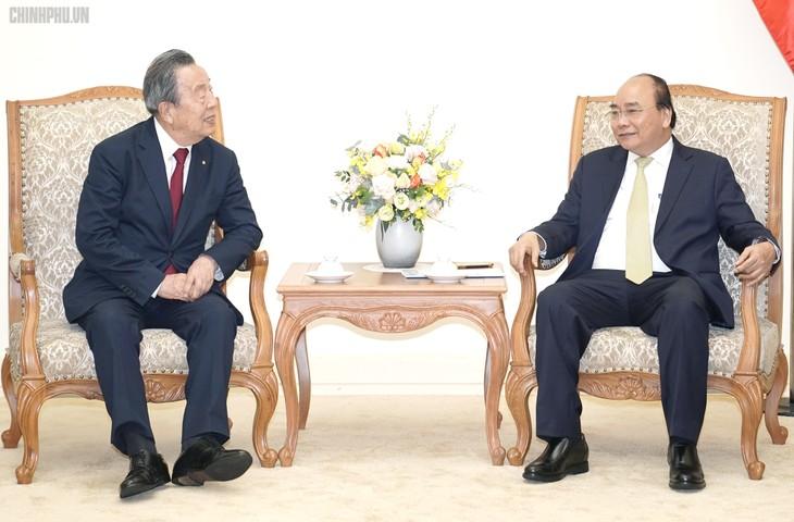 นายกรัฐมนตรี เหงียนซวนฟุก ให้การต้อนรับเอกอัครราชทูตอิตาลีและประธานกลุ่มบริษัท Maruhan - ảnh 2