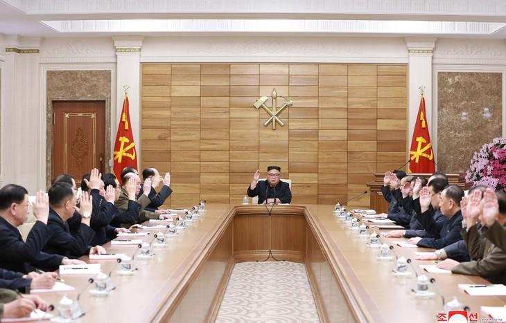 รัฐสภาสาธารณรัฐประชาธิปไตยประชาชนเกาหลีจะอนุมัตินโยบายใหม่ต่อสหรัฐ - ảnh 1