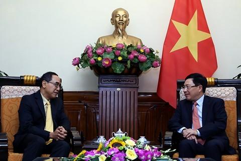 รองนายกรัฐมนตรีและรัฐมนตรีต่างประเทศ ฝ่ามบิ่งมิงห์ ให้การต้อนรับเอกอัครราชทูตไทย ณ กรุงฮานอย - ảnh 1