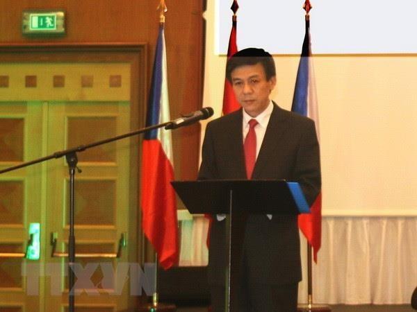 การพบปะสังสรรค์ด้านการทูตผลักดันการพัฒนาความสัมพันธ์เวียดนาม-อียู - ảnh 1