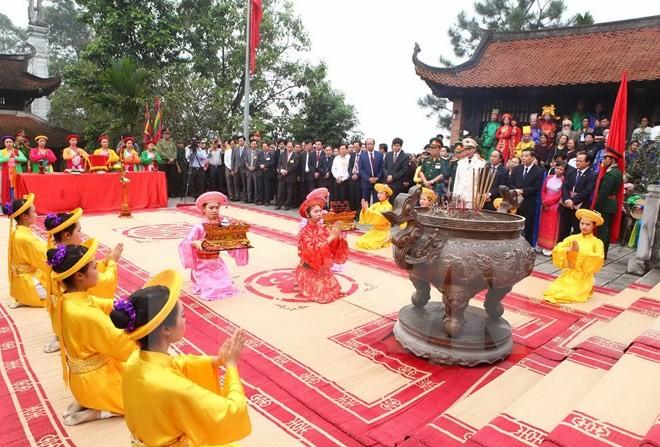 Overseas Vietnamese attend Hung Kings Death Anniversary - ảnh 1