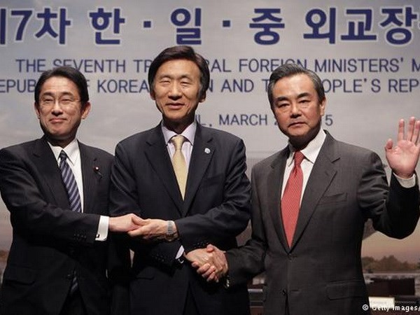 Japan, China, South Korea to convene foreign ministers' meeting in Tokyo - ảnh 1