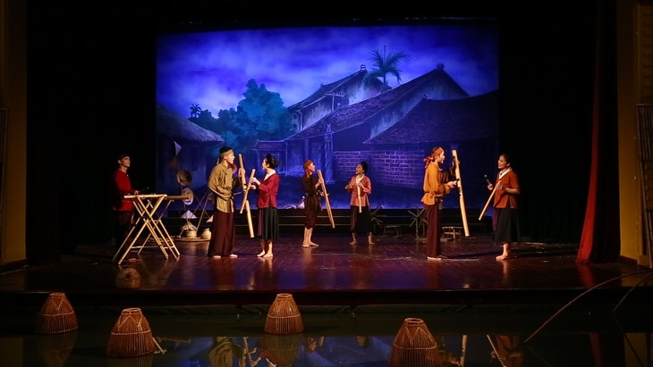 """The Soul of Vietnamese Village"" entices audience with folk music - ảnh 4"