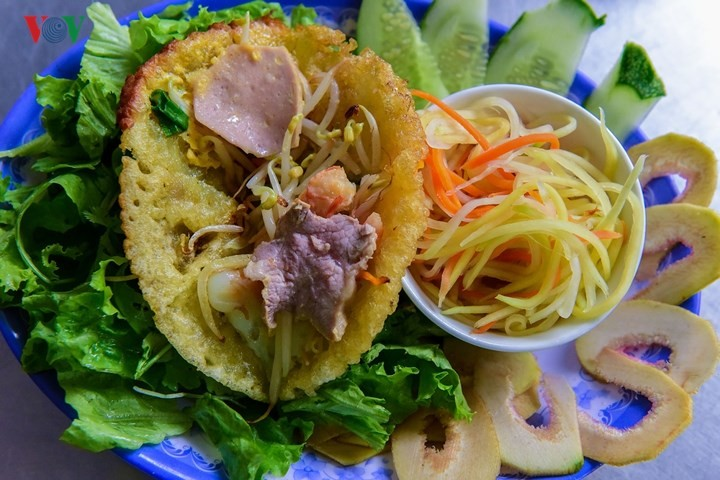 Must-try dishes in Hue - ảnh 11