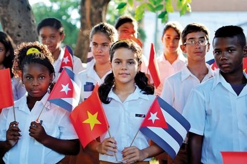 Une nouvelle impulsion donnée aux relations spéciales Vietnam – Cuba - ảnh 1