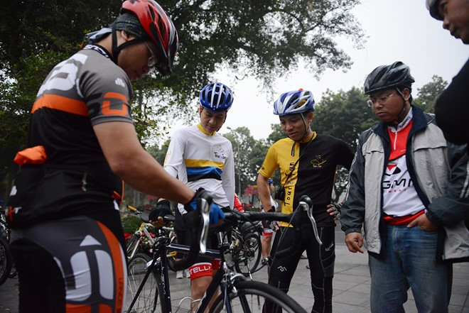 Weekend cycling, new hobby of Hanoians - ảnh 2