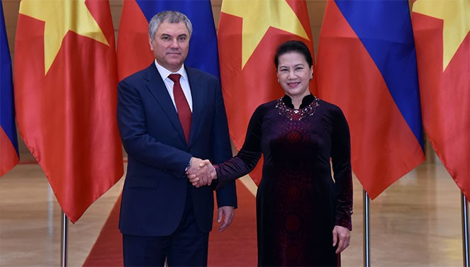 Russia's State Duma Chairman visits Vietnam for stronger bilateral ties - ảnh 1