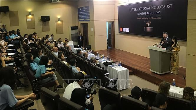 Holocaust Remembrance Day held in Ho Chi Minh City - ảnh 1