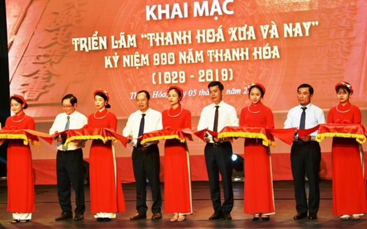 """Exhibition """"Thanh Hoa – Past and Present"""" inspires pride of local traditions - ảnh 1"""