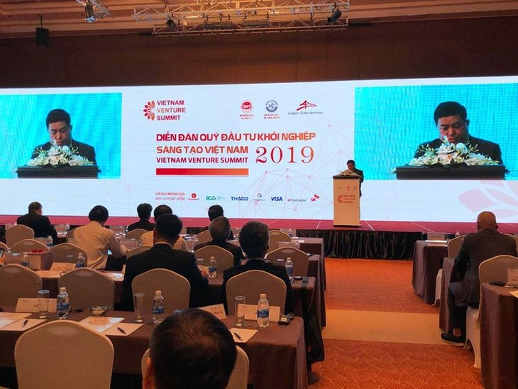 Vietnam's aims to attract 1 billion USD for startups in 2019 - ảnh 1
