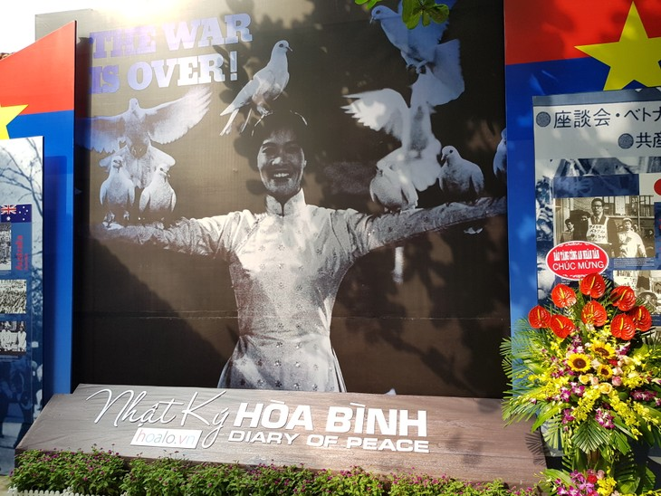 "Exhibition ""Diary of Peace"" in Hanoi - ảnh 3"