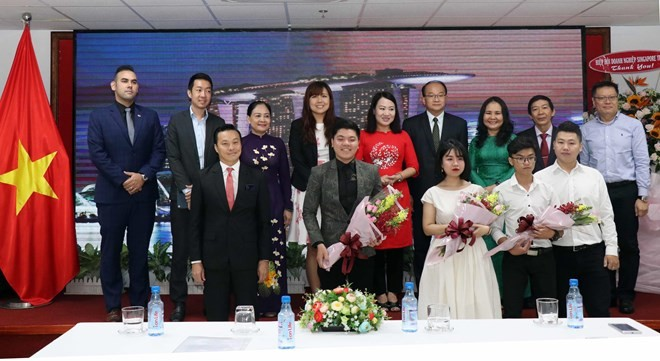 Ho Chi Minh City boosts friendship with Singapore - ảnh 1