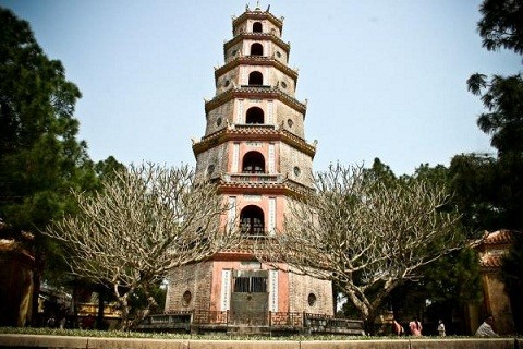 Thien Mu pagoda, one of the oldest, holiest sites in Hue - ảnh 3