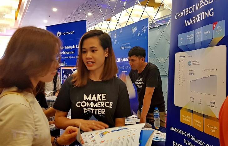 Vietnam Online Marketing Forum introduces latest e-commerce trends - ảnh 1