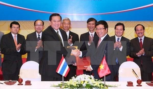 Vizepremierminister, Außenminister Pham Binh Minh besucht Thailand - ảnh 1