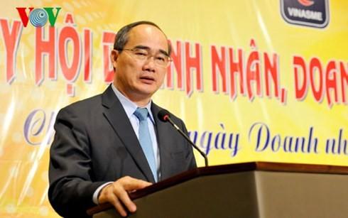 Vietnamesische Unternehmen engagieren sich für Eingliederung und für Entwicklung - ảnh 1