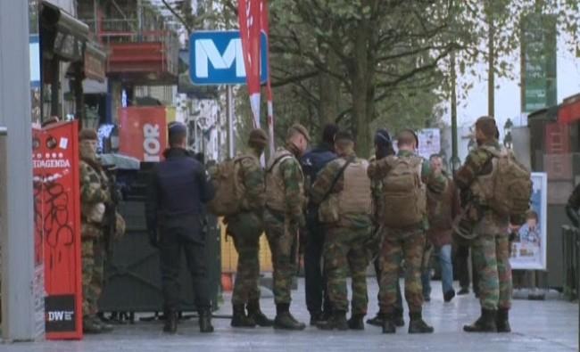 Frankreich und Belgien verstärken Razzien gegen Terroristen - ảnh 1