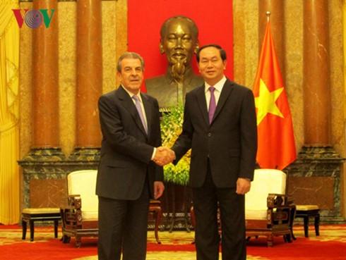Staatspräsident empfängt den ehemaligen chilenischen Präsidenten Eduardo Frei Ruiz-Tagle - ảnh 1