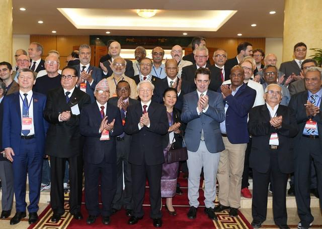 KPV-Generalsekretär empfängt Vertreter des Treffens für Kommunistische Parteien und Arbeiterparteien - ảnh 1