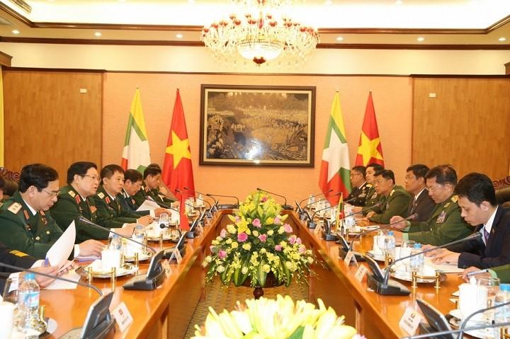 Staatspräsident Tran Dai Quang empfängt den myanmarischen Oberbefehlshaber Min Aung Hlaing - ảnh 1