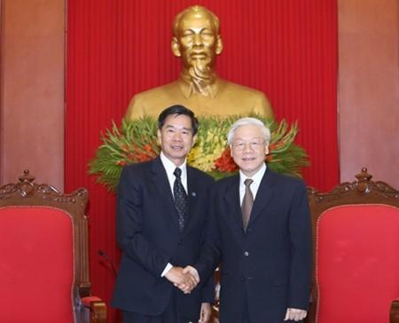 KPV-Generalsekretär Nguyen Phu Trong empfängt Bürgermeister von Vientiane - ảnh 1