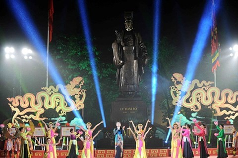 Hanoi veranstaltet zahlreiche Kunstaktivitäten zur Vorbereitung auf das Neujahrsfest Tet - ảnh 1