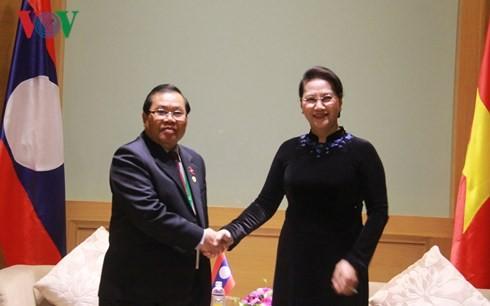 Parlamentspräsidentin Nguyen Thi Kim Ngan empfängt den laotischen Vizeparlamentspräsidenten - ảnh 1