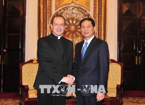 Vizeaußenminister des Vatikan Antoine Camilleri besucht Vietnam - ảnh 1