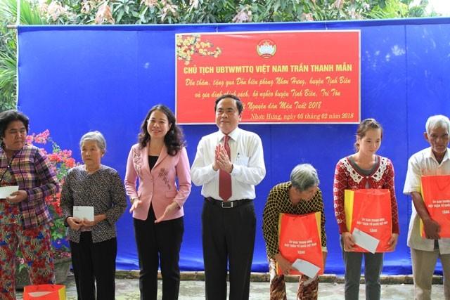 Vorsitzender der Vaterländischen Front Vietnams Tran Thanh Man besucht Provinz An Giang - ảnh 1