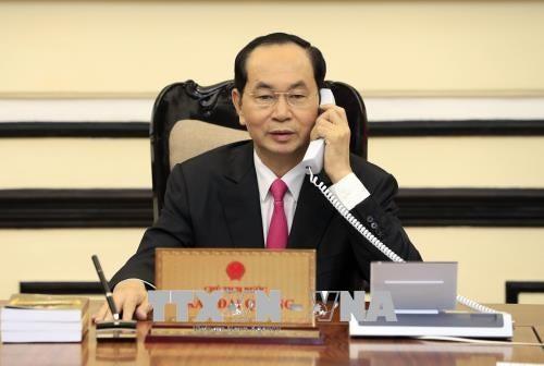Staatspräsident Tran Dai Quang führt Telefongespräch mit US-Präsidenten Donald Trump - ảnh 1