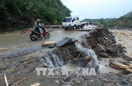 Vaterländische Front Vietnams schickt Mitleidstelegramme an Bewohner in Überschwemmungsgebieten  - ảnh 1