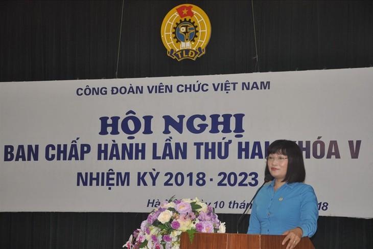 Konferenz des Verwaltungsstabs der Gewerkschaft vietnamesischer Angestellten  - ảnh 1