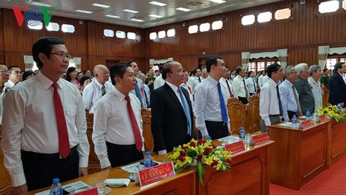 Vizepremierminister Truong Hoa Binh zu Gast bei der Feier zum 70. Jahrestag des Sieges Moc Hoa - ảnh 1