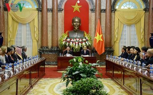 Staatspräsident Tran Dai Quang empfängt die Leiter der ASOSAI-Delegationen - ảnh 1
