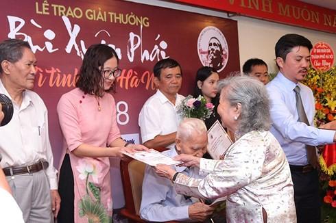 """11. Auszeichnung des Preises """"Bui Xuan Phai – Für die Liebe zu Hanoi"""" - ảnh 1"""
