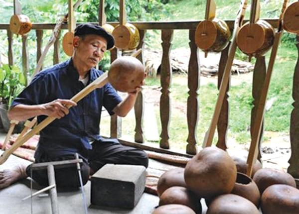 Kunst bei der Herstellung des Tinh-Instruments der Tay in Cao Bang - ảnh 1