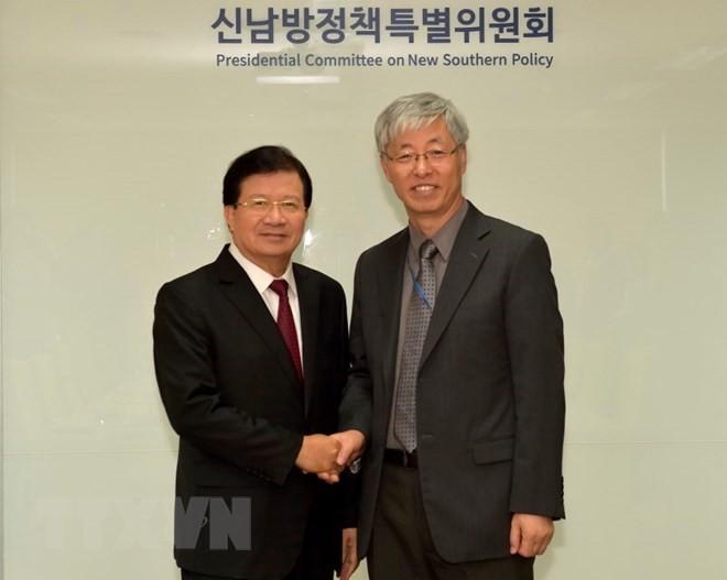 Aktivitäten des Vizepremierministers Trinh Dinh Dung in Südkorea - ảnh 1