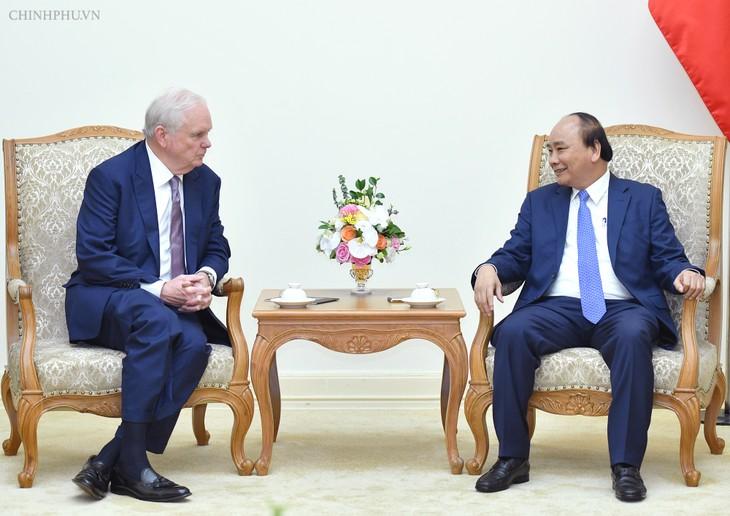 Premierminister Nguyen Xuan Phuc empfängt Professor der US-Universität Harvard - ảnh 1