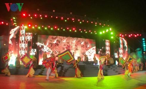 Bühnenprogramm zum 230. Jahrestag des historischen Sieges Dong Da - ảnh 1