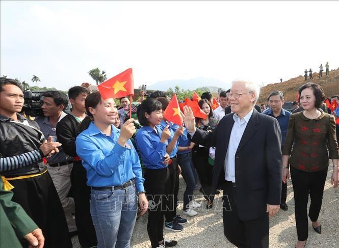 KPV-Generalsekretär und Staatspräsident Nguyen Phu Trong: Das Baumpflanzen bringt dem Land große Interessen - ảnh 1