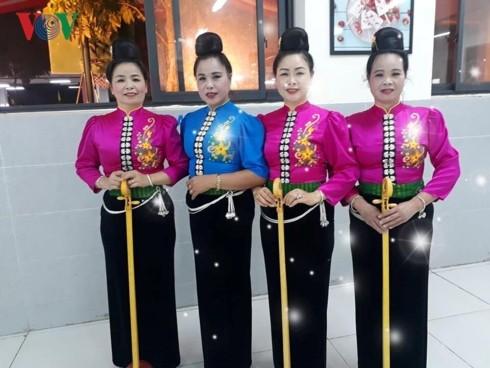 """""""Tang Cau"""" – Das besondere Hochzeitsritual der Frauen der Volksgruppe Thai Den - ảnh 1"""